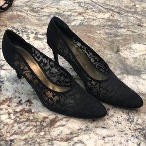 Lace evening shoe